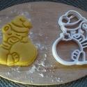 """Karácsonyi """"MACIS sütemény kiszúró"""", Konyhafelszerelés, Férfiaknak, Mindenmás, 3D eljárással készült sütemény kiszúró forma.  Mérete a legszélesebb pontjain: 9x7 cm., Meska"""