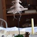 Karácsonyi dekoráció, fenyő, Otthon, lakberendezés, Dekoráció, Dísz, Varrás, Álló varrott fenyő dekoráció festett vagy pácolt talppal, mohával vagy szizállal díszítve. Különböz..., Meska