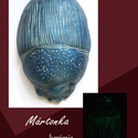 Kék BOGARAM, Dekoráció, Képzőművészet, Szobor, Kerámia, Kerámia, Szobrászat, Hargitai agyagból készült 21cm x 15cm  vésett, festett lakkozott kerámia. Hátoldalán akasztóval ell..., Meska