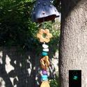 Giling-galang Kerti disz Ezüstbogyós, Dekoráció, Otthon, lakberendezés, Dísz, Kerti dísz, Kerámia, Hargitai agyagból készült, festett kerámia. Kb.:43cm Fűzött rész: színes fagyöngy, üveggyöngy, söté..., Meska