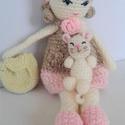 Horgolt hátizsákos játékbaba cicával, Játék, Készségfejlesztő játék, Horgolt játékbaba levehető hátizsákkal, cicával. 33 cm., Meska