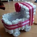 Babakocsi pelenktorta, Esküvő, Baba-mama-gyerek, Nászajándék, Baba-mama kellék, Mindenmás, 45 db pelenkából álló, nagy dekoratív torta.  Baby dream pelus 4-9 kg., Meska