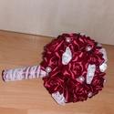 Örökcsokor, Esküvő, Esküvői csokor, Mély bordó rózsákból készült örökcsokor, csipkediszítéssel. M8nden rózsa egyenk?nt kész..., Meska
