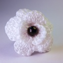 Hófehér gyűrű fekete gyönggyel, Ékszer, óra, Gyűrű, Horgolás, Fehér fekete kombináció egy gyűrűben. Az állítható fémgyűrűn található rózsa, horgolással készült. ..., Meska