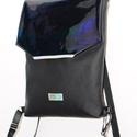 Fekete hologramos hátizsák , Táska, Hátizsák, Varrás, Fekete és ezüst hologramos anyag díszíti ezt a szép fekete textilbőr háti táskát. Belseje pamut vás..., Meska