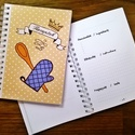 receptíró notesz, Naptár, képeslap, album, Konyhafelszerelés, Jegyzetfüzet, napló, Receptfüzet, Fotó, grafika, rajz, illusztráció, Egyedi készítésű, vidám mintás receptíró notesz, karácsonyi ajándéknak is tökéletes választás!  A/6..., Meska