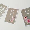 esküvői füzér/székfüzér/girland, Esküvő, Esküvői dekoráció, Romantikus esküvői girland dekoráció rendelhető a képen látható betűtípussal és virág díszítéssel.  ..., Meska