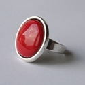 Piros tűzzománc gyűrű ezüst színű foglalatban , Ékszer, Gyűrű, Klasszikus darab ez a telt, élénpiros színű tűzzománc betétes fülbevaló  Gyűrű átmérője 18 mm Kerek ..., Meska