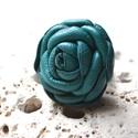 Turquoise rose-gyűrű valódi bőrből-akció, Ékszer, Gyűrű, Egy extra-nagy rózsás gyűrű valódi bőrből, a rengeteg sziromnak és az aprólékos kidolgozásnak köszön..., Meska