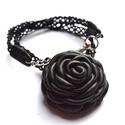 Fekete elegancia-extra rózsás nyakék valódi bőrből, Ékszer, Nyaklánc, Bross, kitűző, Ezt a nyakláncot imádni fogod, tiszta fekete így mindennel jól mutat alapdarad. Különlegessége,  hen..., Meska