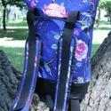 KRISZTIKE kissebb hátizsák/kék virágos