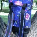 KRISZTIKE kisebb hátizsák...KÉK