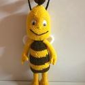 Willy a méhecske., Játék, Játékfigura, Maya legjobb barátja. Mérete 37 cm. Színe sárga,barna. Csápja drót,aminek a végére gyöngy van felerő..., Meska