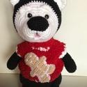 Fantázia maci., Játék, Játékfigura, Mérete : 37 cm. Színe : Fekete - Fehér. Piros,kötött pulcsija van,középen egy Mézi díszítéssel. A pu..., Meska