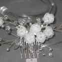 Menyasszonyi fejdísz,hajdísz,rózsás,kristályos,fehér, Esküvő, Ruha, divat, cipő, Hajbavaló, Hajdísz, ruhadísz, Ékszerkészítés, Gyöngyfűzés, Menyasszonyi fejdísz,hajdísz kristályokkal,organza virágokkal. Romantikus fazon. Fehér  Igényes,fin..., Meska