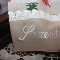Karácsonyi hímzett konyharuha 100% pamut-Szeretettel, Dekoráció, Karácsonyi, adventi apróságok, Konyhafelszerelés, Otthon, lakberendezés, Ünnepi dekoráció, Lakástextil, Egyedileg hímzett karácsonyi mintás konyharuha.Csipke díszítéssel.Régies hangulatú.Akasztóv..., Meska