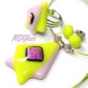Élénk zöld, lila szögek üvegékszer szett, nyaklánc, gyűrű, stiftes fülbevaló, Ékszer, Medál, Fülbevaló, Gyűrű, Élénk zöld, lilás-rózsaszín és pink dichroic üveg került felhasználásra ennél a duplán háromszög for..., Meska