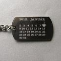 """""""Emlékezz rám"""" naptáros nemesacél kulcstartó + egyedi gravírozás, Mindenmás, Kulcstartó, Fémmegmunkálás, Az ár egy 1db naptáros kulcstartóra vonatkozik!  Vastagság:  2mm  Méret:     a választott alaptól f..., Meska"""