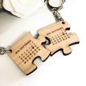 Szerelmespár tömörfa páros kulcstartó + egyedi gravírozás Valentin nap, Mindenmás, Szerelmeseknek, Kulcstartó, Gravírozott fa páros kulcstartók szerelmespároknak, házaspároknak!  Az ár egy pár (2db) kulcstartóra..., Meska