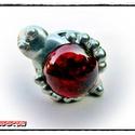 MD Vércsepp Üveg GyűrűBoga , Ékszer, óra, Gyűrű, Egyedi, kemencében készült színesüveg-testű GyűrűBoga, ezüst színben. Antikolt, öregbített hatású fe..., Meska