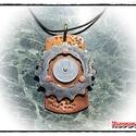 MD Steampunk Nyakék - Ybegd Krónika -, Ékszer, óra, Medál, Sárga és vörösrézből, acélalkatrészből, régi érméből készült nehéznyakék. A motívum szegecseléssel v..., Meska