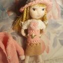 Zsuzsu baba rózsaszín kalapban, Baba-mama-gyerek, Játék, Baba, babaház, Baba játék, Új babám 26 cm-es.Hímzett virágos kabátja és ruhája levehető,ugyanúgy mint a kalapja és a ..., Meska