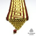Könyvjelző - bordó arany görög motívumos díszszalag kombinálva réz chainmaille elemmel