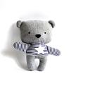 Medve maci játékfigura Plüss játék Plüss figura plüssmaci, Játék, Plüssállat, rongyjáték, Játékfigura, Medve játékfigura szürke gyapjúszövetből és kék-fehér csíkos frottírból. Magassága 25 cm. Fém és műa..., Meska