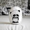 Párna - panda pandamaci - fekete fehér - FF - gyerekszoba - babaszoba - dekoráció, Otthon, lakberendezés, Baba-mama-gyerek, Gyerekszoba, Lakástextil, Limitált darabszámban, saját grafikával, textilnyomtatással készült pandás párna. Magasság: 27 cm. T..., Meska