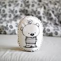 Párna - medve maci mackó - fekete fehér - FF - gyerekszoba - babaszoba - dekoráció, Limitált darabszámban, saját grafikával, texti...