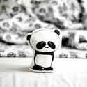 Kicsi párna - forma párna - formapárna - panda pandamaci - fekete fehér - gyerekszoba - babaszoba - dekoráció, Baba-mama-gyerek, Játék, Játékfigura, Plüssállat, rongyjáték, Limitált darabszámban, saját grafikával, textilnyomtatással készült kicsi pandás formapárna. Magassá..., Meska