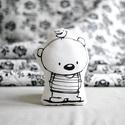 Kicsi párna - forma párna - formapárna - medve maci mackó - fekete fehér - gyerekszoba - babaszoba - dekoráció, Baba-mama-gyerek, Játék, Játékfigura, Plüssállat, rongyjáték, Limitált darabszámban, saját grafikával, textilnyomtatással készült kicsi medvés formapárna. Magassá..., Meska