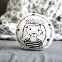 Párna - királylány hercegnő kislány - fekete fehér - FF - gyerekszoba - babaszoba - dekoráció, Otthon, lakberendezés, Baba-mama-gyerek, Gyerekszoba, Lakástextil, Limitált darabszámban, saját grafikával, textilnyomtatással készült királylányos kerek párna. Átmérő..., Meska