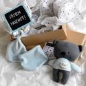 Babaváró csomag - medve maci mackó - babasapka - babakendő - baba kendő - nyálkendő - plüss pamut - fiú lány - újszülött, Uniszex babaváró ajándékcsomag A doboz tartalm...