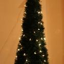Karácsonyi világítós gúla, Karácsonyi, adventi apróságok, Karácsonyi dekoráció, Adatai:  1 méter magas 100-as meleg fehér LED  égősorral felszerelt.  Jelenleg 1 db van készleten, a..., Meska