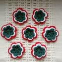 Horgolt virág alakú kokárdák, Magyar motívumokkal, Mindenmás, Kokárda, egyedi, 100 % pamutból horgolt virág alakú kokárda  biztosítótűvel lehet kitűzni  20 db rendelése fe..., Meska