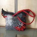 Nemez táska(szürke-piross), Táska, Válltáska, oldaltáska, Nemez válltáska gyapjúból(bundagyapjú és ausztrál merinó)belsején 1 zsebbel,virág díszítéssel. Hétkö..., Meska