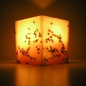 Bogyós viaszlámpás, Otthon, lakberendezés, Gyertya, mécses, gyertyatartó, Gyertya-, mécseskészítés, Viaszból öntött, bogyókkal díszített lámpás, mely kellemes, meleg fénnyel világítja be otthonod.  A..., Meska