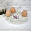 Tojástartó fa tál, Húsvéti díszek, Dekoráció, Fából készült, kézzel festett ibolyákkal díszített tál.  6 db tojás tárolására alkalmas.   Használha..., Meska