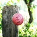 Életfa nyaklánc, piros, Ékszer, Nyaklánc, Vidám piros színben készült, életfa motívummal díszített nyaklánc.   A fa motívumot kézzel fűrészelt..., Meska