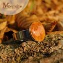 Őszi Borostyán falevél gyűrű, Ékszer, Gyűrű, Valódi, borostyánszínű őszi  levélke műgyantába zárva.   A falevelet préseltük, majd gondos előkészí..., Meska