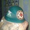 Zöld mese nemezelt kalap, Ruha, divat, cipő, Merinói gyapjúból nemezelt kalap, szalaggal és gobelin motívummal díszítve.Színe fenyő zöl..., Meska