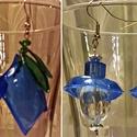 Fülbevaló pet-palackból, gyöngyökből, Ékszer, Fülbevaló, Ékszerkészítés, Újrahasznosított alapanyagból készült termékek, Aprólékos kézműves munkával kék színű pet-palack újrahasznosításával és hozzáadott gyöngyökkel kész..., Meska