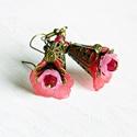 Digitalis - fleur design fülbevaló, Ékszer, Esküvő, Fülbevaló, Esküvői ékszer, Romantikus, nőies, pillekönnyű virágfülbevaló... esküvőre is...  Teljes hossza 5,5 cm., Meska