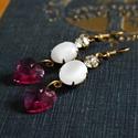Románc - romantikus fülbevaló Swarovski függővel, Ékszer, Esküvő, Fülbevaló, Esküvői ékszer, Romantikus fülbevaló foglalt üveg kabosonnal és Swarovski kristályokkal. Hossza 6 cm (akasztóv..., Meska