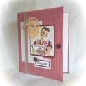 Retro kockás,csipkés receptgyűjtő gyűrűs mappa (füzet) A4, Konyhafelszerelés, Receptfüzet, Könyvkötés, Varrás, A4-es gyűrűs mappa könyvkötő technikával bekötve. Irattartó fólia használatával a kinyomtatott rece..., Meska