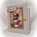 Csészés, parafás receptgyűjtő gyűrűs mappa  (füzet) A5, Konyhafelszerelés, Receptfüzet, Könyvkötés, Varrás,  A5 méretű gyűrűs mappa könyvkötő technikával, textillel bekötve.  Lepd meg vele a főzés tudományáb..., Meska