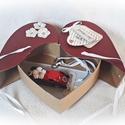 Autós pénzátadó bordó szív doboz, esküvő, eljegyzés, nászajándék(piros fém autóval), Esküvő, Nászajándék, Ifjú házasoknak, nászajándéknak, eljegyzésre, ... ötletes pénzátadó. Lepd meg szívednek legkedvesebb..., Meska