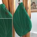 Zöld leveles egyedi táska, Táska, Válltáska, oldaltáska, Levél formájú, egyedi táskát készítettem, erős pamut textilből. Szivárvány színű, extra hosszú pánto..., Meska