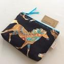 Gyönyörű lovas irattartó pénztárca fekete színben, Indián lovas, prémium pamut textilből készült...